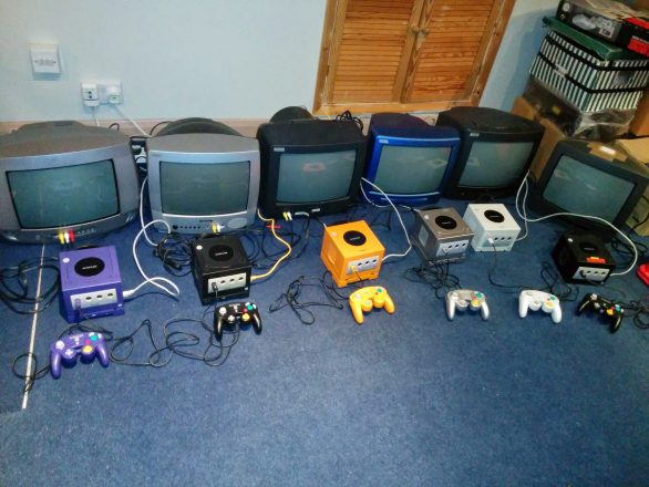 6 Nintendo GameCubes hooked up to 14 inch CRT Televisions